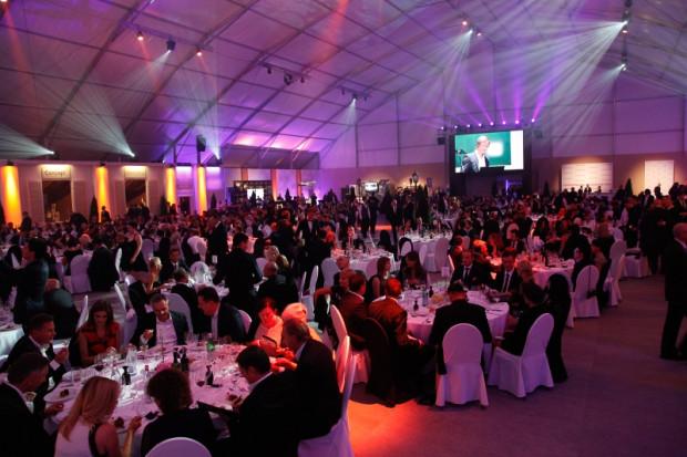 Coroczna Gala Wine&Food Noble Night przygotowana na prawie 1000 osób odbywa na terenie wyścigów konnych na Służewcu.