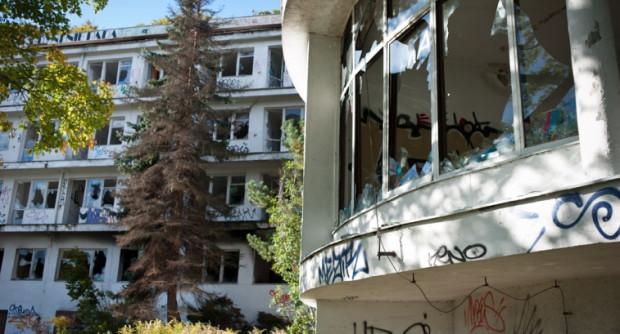 """Kiedyś Dom Profilaktyczno - Wypoczynkowy """"Zdrowie"""" był chlubą Gdyni. Dziś - niezabezpieczony - niszczeje..."""