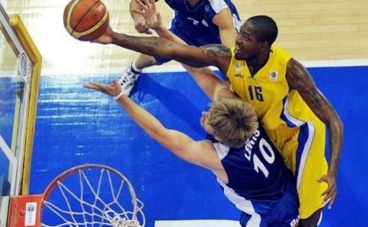 Kurt Looby musi porozumieć się ze swoim byłym klubem Neckar Ludwigsburg. W przeciwnym wypadku opuści Trefla, który nie zamierza dłużej czekać na odwieszenie zawodnika przez FIBA.