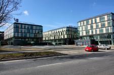 Kompleks biurowy przy ul. Łużyckiej w Gdyni nie jest wbrew pozorom położony w Redłowie, a w Małym Kacku.