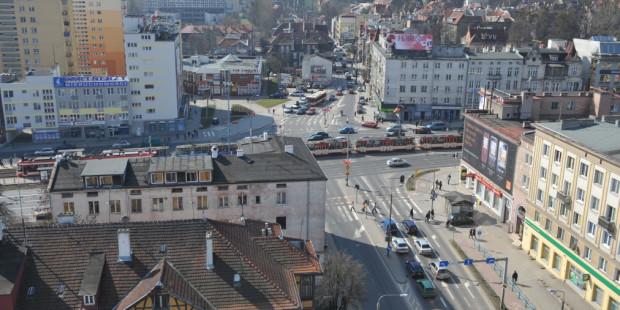Skrzyżowanie ul. Miszewskiego i ul. Do Studzienki z al. Grunwaldzką - tu przetną się szyny z ul. Nowej Politechnicznej z obecną trasą tramwajową w ciągu al. Grunwaldzkiej.