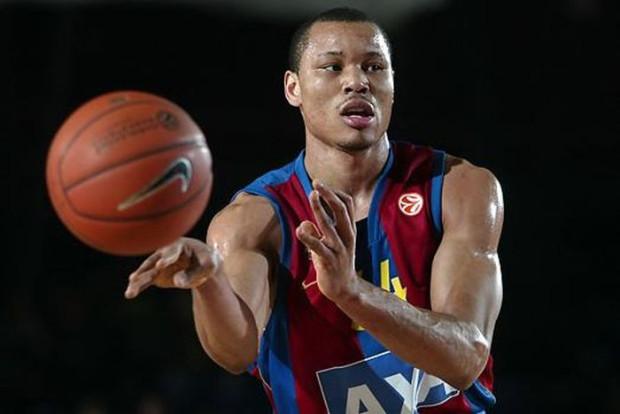 Alex Acker w swoim koszykarskim CV ma występy w zespołach z NBA: Detroit Pistons i Los Angeles Clippers. W Europie grał m.in. dla FC Barcelony.