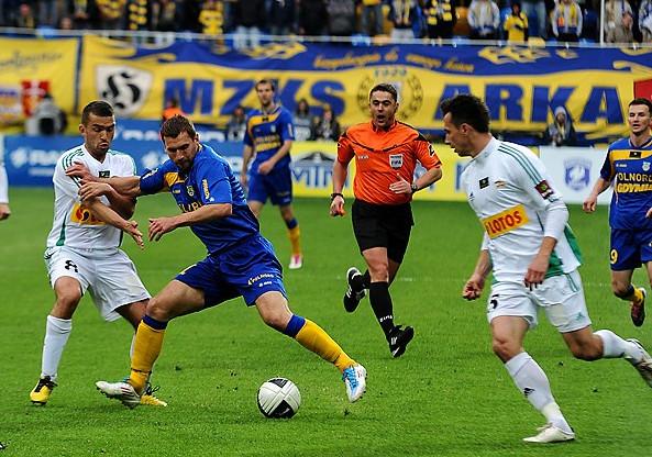 Po raz ostatni o ligowe punkty Lechia i Arka grały w maju 2011 w meczu ekstraklasy. W niedzielę trójmiejskie derby obejrzymy w III lidze, w wydaniu zespołów rezerw.