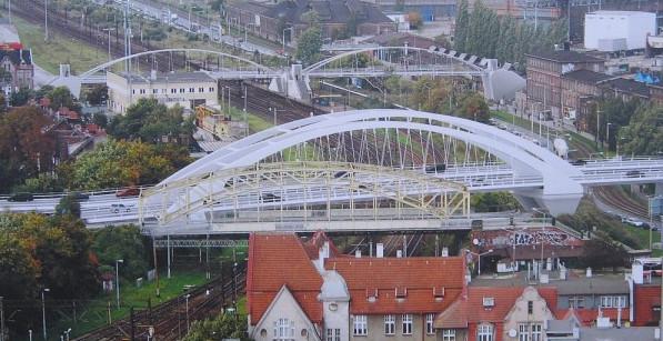 Za dwa lata pierwsze auta pojadą nowym wiaduktem nad torami kolejowymi i ul. Jana z Kolna. W pierwszym etapie powstanie pierwszy z docelowych dwóch.