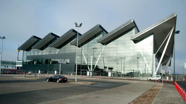 Według prognoz, trójmiejski port lotniczy ma szansę awansować na trzecie miejsce w rankingu polskich portów lotniczych (klasyfikacja pod względem ilości obsłużonych pasażerów).