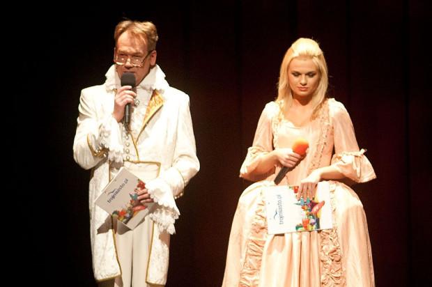 Uroczystą galę wręczenia nagród poprowadzili Emilia Komarnicka i Mirosław Baka, aktorzy Teatru Wybrzeże.