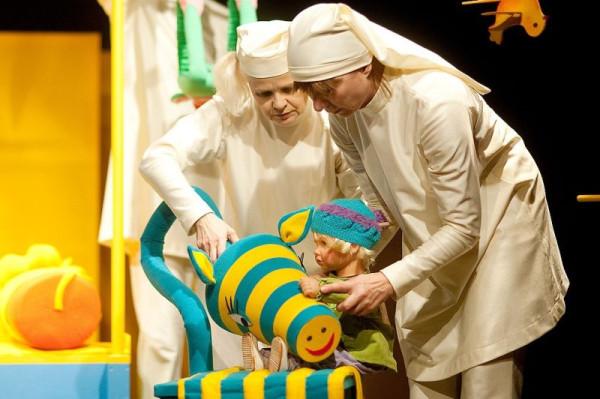"""2 i 9 grudnia w Teatrze Miniatura pokazane zostanie przedstawienie dla najmłodszych - """"Afrykańska przygoda""""."""