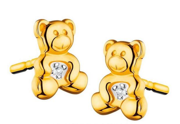 Kolczyki z żółtego złota z diamentami. Cena 279 złotych.