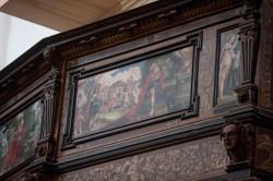 Szafa posiada piękne detale i malowidła, choć jeszcze kilka jest do uzupełnienia.