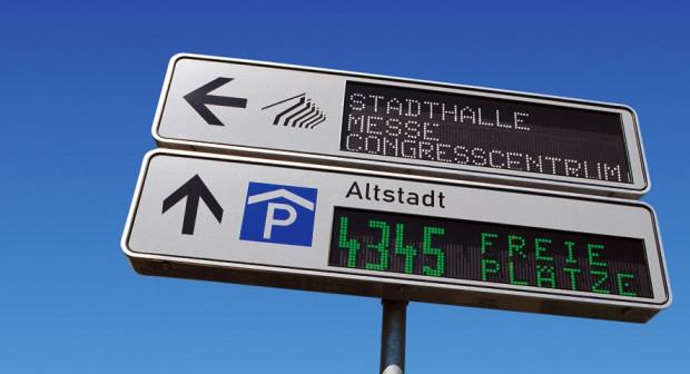 Systemy informacji parkingowej od lat działają w wielu europejskich miastach. Nz. przykład z Bremy.