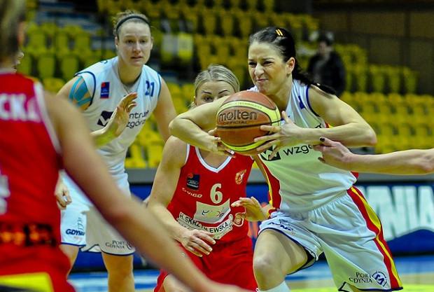 Gdyńskie koszykarki nie miały najmniejszych trudności z awansem w Pucharze Polski. Na zdjęciu Natalia Małaszewska.