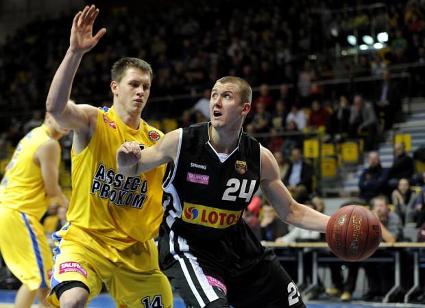 Choć Asseco Prokom i Trefl są czołowymi zespołami Tauron Basket Ligi, w europejskich rozgrywkach nie były w stanie odnieść sukcesu. Zdaniem Mirosława Noculaka taki scenariusz będzie możliwy jedynie w wypadku połączenia sił.