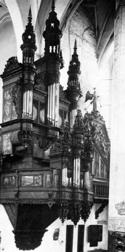 Tak wyglądały organy przed demontażem i wywiezieniem w 1944 r. do żuławskiej wsi.