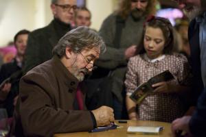 Podczas festiwalu dziennikarze i posiadacze biletów premium mieli okazję spotkać się z wykonawcami. Do Jordiego Savalla ustawiła się długa kolejka po autografy.