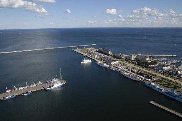 Widok z XXXII piętra gdyńskiego Sea Towers. To w Trójmieście budynek, gdzie powstało najwięcej mieszkań z bezpośrednim widokiem na morze.