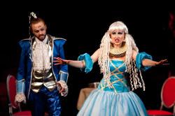 """Bajka dla małych i dużych - """"Arabela"""" prezentowana jest na Dużej Scenie Teatru Wybrzeże w Gdańsku."""